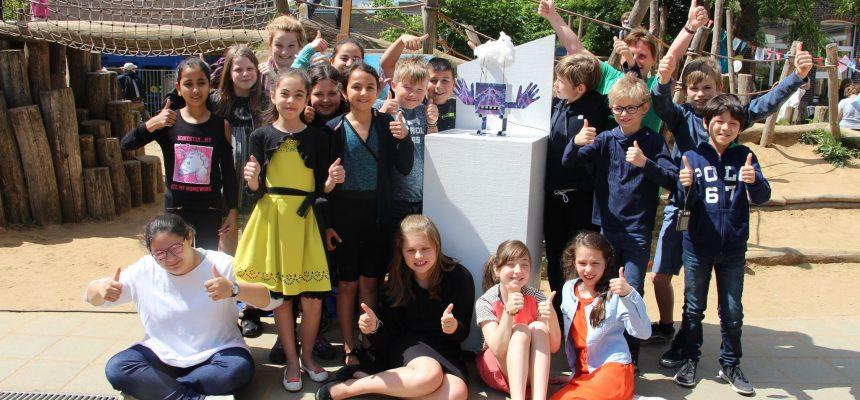 Proud MyMachine Belgium Inventors and Builders inaugurate their dream machines