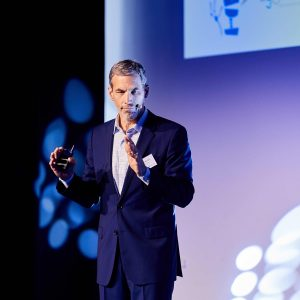 How to survive in the innovation economy? This was the keynote by Tom Vander Ark.